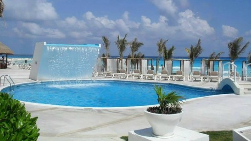 Krystal International Vacation , Cancun , Great Price !